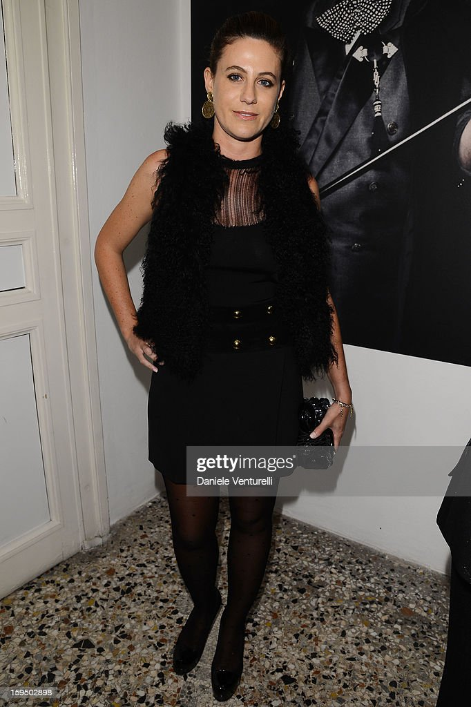 <a gi-track='captionPersonalityLinkClicked' href=/galleries/search?phrase=Francesca+Versace&family=editorial&specificpeople=214247 ng-click='$event.stopPropagation()'>Francesca Versace</a> attends the 'So Chic So Stylish' cocktail party as part of Milan Fashion Week Menswear Autumn/Winter 2013 on January 14, 2013 in Milan, Italy.