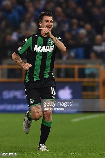 Francesco Acerbi of US Sassuolo Calcio celebrates after scoring the opening goal during the Serie A match between UC Sampdoria and US Sassuolo Calcio...