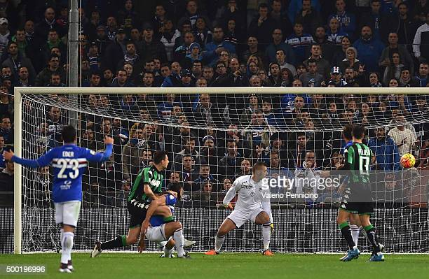 Francesco Acerbi of US Sassuolo Calcio scores the opening goal during the Serie A match between UC Sampdoria and US Sassuolo Calcio at Stadio Luigi...