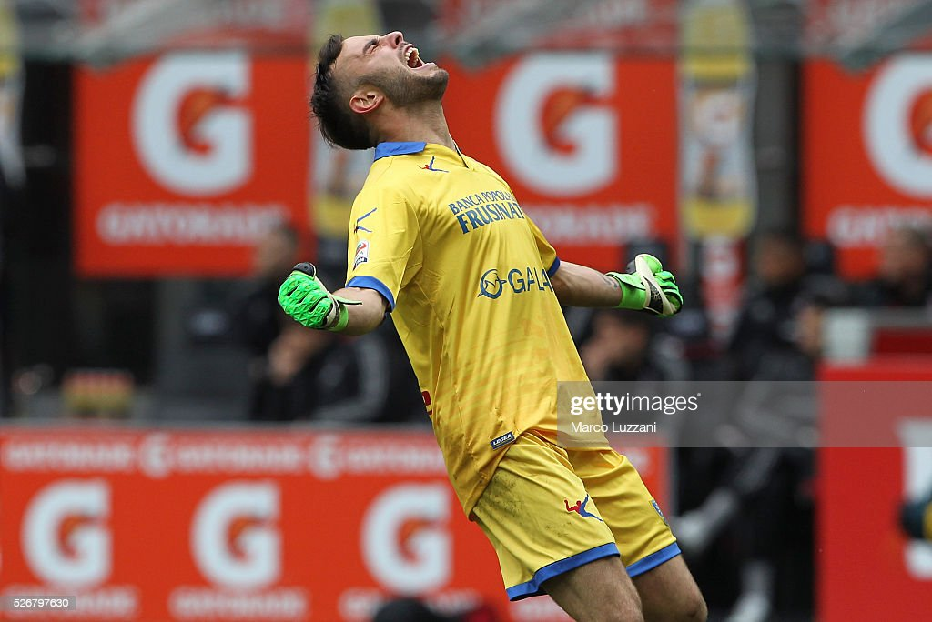 Francesco Bardi of Frosinone Calcio celebrates his team-mate goal during the Serie A match between AC Milan and Frosinone Calcio at Stadio Giuseppe Meazza on May 1, 2016 in Milan, Italy.