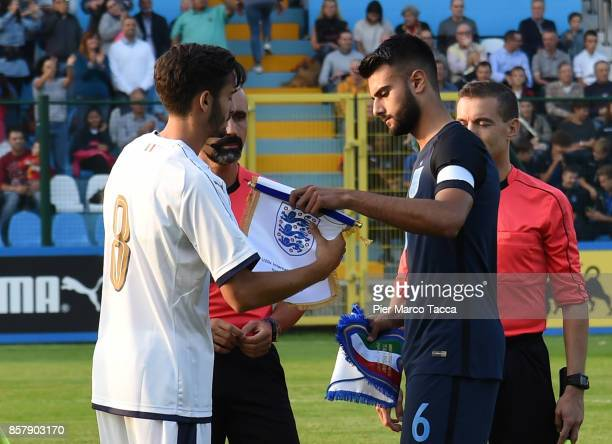 Francesco Cassata of Italy U20 and Easah Suliman of Engkand U20 during the 8 Nations Tournament match between Italy U20 and England U20 on October 5...
