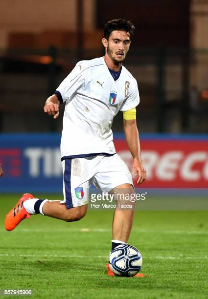 Francesco Cassata of Italy U20 runs with the ball during the 8 Nations Tournament match between Italy U20 and England U20 on October 5 2017 in...