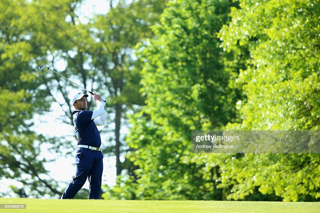 <a gi-track='captionPersonalityLinkClicked' href=/galleries/search?phrase=Francesco+Molinari&family=editorial&specificpeople=637481 ng-click='$event.stopPropagation()'>Francesco Molinari</a> of Italy hits his 2nd shot on the 1st hole during day one of the BMW PGA Championship at Wentworth on May 26, 2016 in Virginia Water, England.