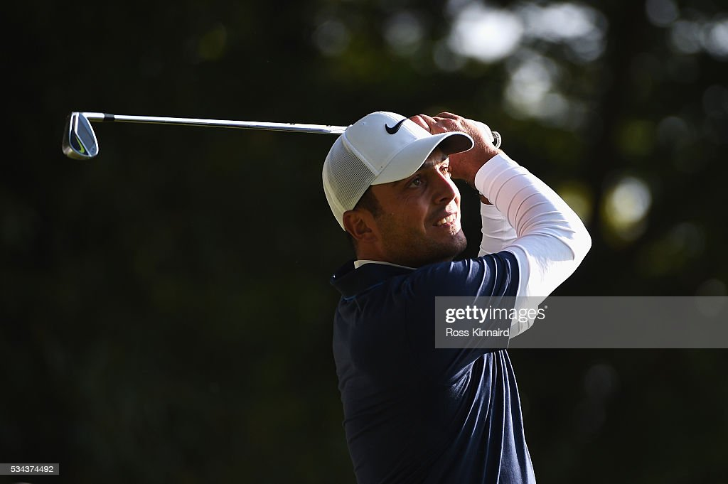 Francesco Molinari of Italy tees off on the 2nd hole during day one of the BMW PGA Championship at Wentworth on May 26, 2016 in Virginia Water, England.