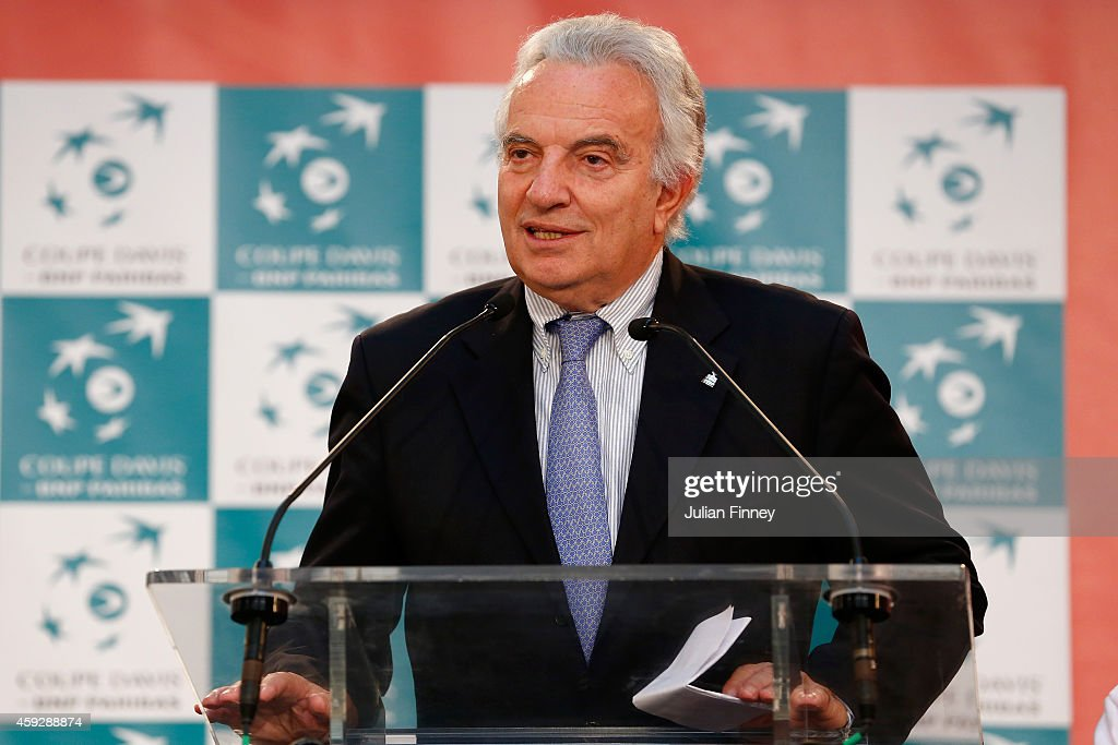 <a gi-track='captionPersonalityLinkClicked' href=/galleries/search?phrase=Francesco+Ricci+Bitti&family=editorial&specificpeople=575852 ng-click='$event.stopPropagation()'>Francesco Ricci Bitti</a>, President of the ITF talks at the draw during previews for the Davis Cup Tennis Final between France and Switzerland at the Place du Theatre on November 20, 2014 in Lille, France.