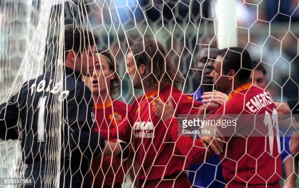 Francesco TOTTI Gabriel BATISTUTA EMERSON Ferreira da Silva of Roma and Francesco TOLDO of Fiorentina into the goal discussing during the SERIE A...