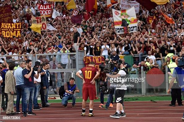 A.S. Roma and Genoa CFC : Italian Serie A : News Photo