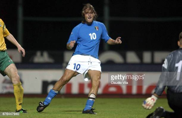 01 SEP 2001 KAUNAS 2002 Francesco Totti in action during the WORLD CUP QUALIFYING LITUANIA Vs ITALIA