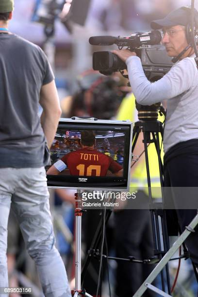 Francesco Totti of AS Roma during the Serie A match between ACF Fiorentina and Pescara Calcio at Stadio Artemio Franchi on May 28 2017 in Florence...