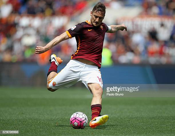 Francesco Totti of AS Roma in action during the Serie A match between AS Roma and AC Chievo Verona at Stadio Olimpico on May 8 2016 in Rome Italy