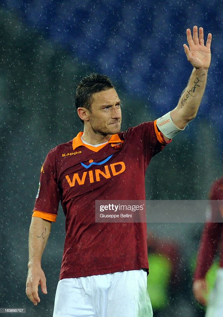 Francesco Totti of Roma celebrates the victory after the Serie A match between AS Roma and Parma FC at Stadio Olimpico on March 17, 2013 in Rome, Italy.
