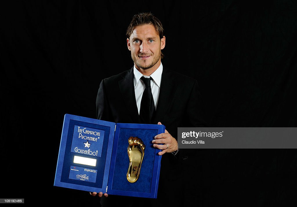 <a gi-track='captionPersonalityLinkClicked' href=/galleries/search?phrase=Francesco+Totti&family=editorial&specificpeople=208985 ng-click='$event.stopPropagation()'>Francesco Totti</a> posing for the Golden Foot Awards at Fairmont Hotel on October 11, 2010 in Monaco, Monaco.