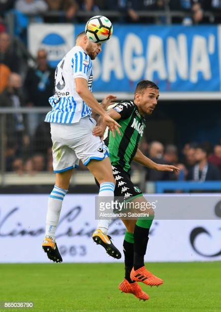 Francesco Vicari of Spal competes for the ball whit Antonio Ragusa of US Sassuolo during the Serie A match betweenSpal and US Sassuolo at Stadio...