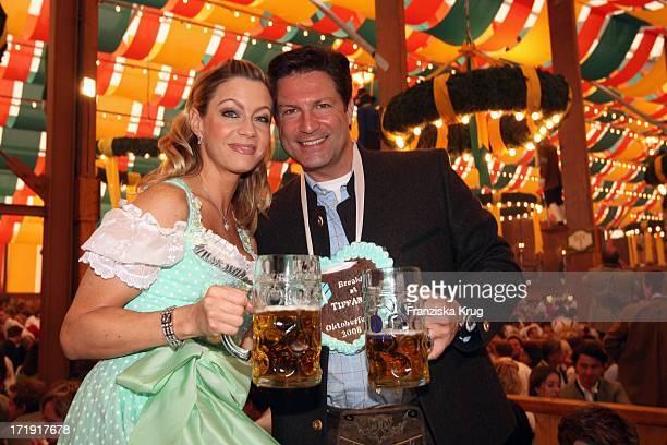 Francis Fulton Smith Und Ehefrau Verena Im Schützenfestzelt Bei 'Frühstück Bei Tiffany' Am 200908