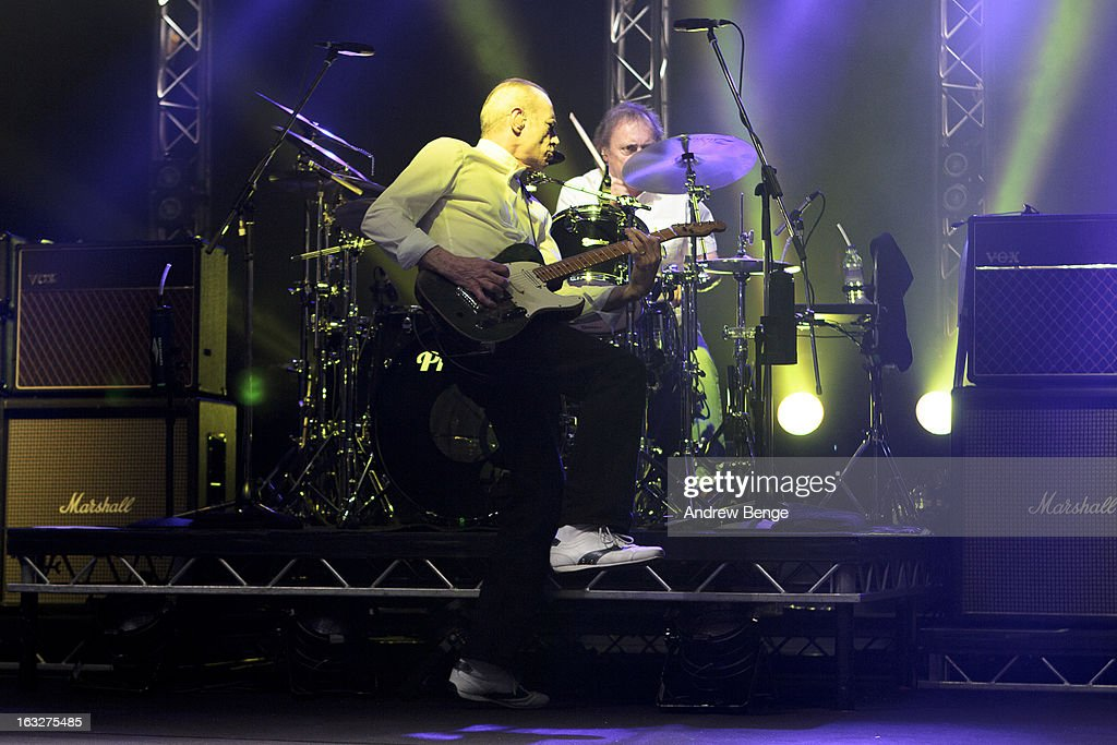 <a gi-track='captionPersonalityLinkClicked' href=/galleries/search?phrase=Francis+Rossi&family=editorial&specificpeople=243185 ng-click='$event.stopPropagation()'>Francis Rossi</a> and Matt Letley of Status Quo performs on stage in concert at Manchester Apollo on March 6, 2013 in Manchester, England.
