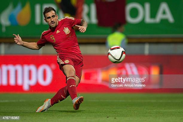 Francisco Alcacer of Spain scores their opening goal during the international friendly match between Spain and Costa Rica at Reino de Leon Stadium on...