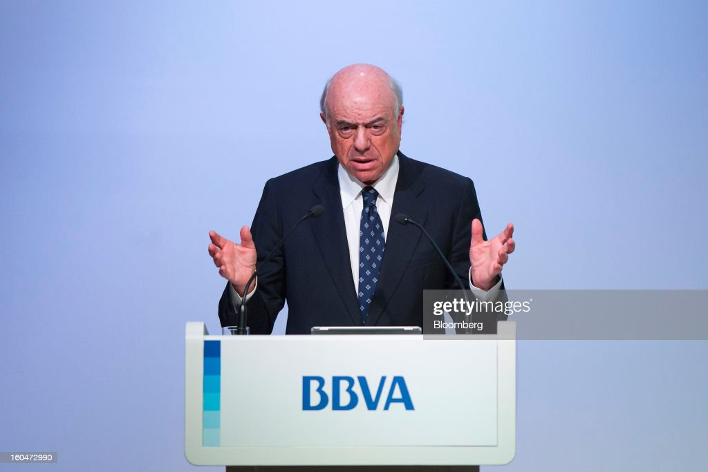 Francisco Gonzalez, chairman of Banco Bilbao Vizcaya Argentaria SA (BBVA), gestures during a news conference to announce the company's fourth-quarter results in Madrid, Spain, on Friday, Feb. 1, 2013. BBVA, Spain's second-biggest bank, posted a 20 million-euro ($27.3 million) fourth-quarter profit as a revenue boost offset costs of completing a cleanup of Spanish real estate assets. Photographer: Angel Navarrete/Bloomberg via Getty Images