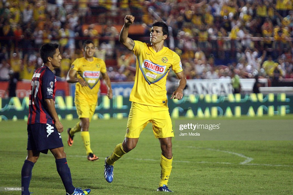 Francisco Javier Rodriguez of America celebrates scored a goal against Atlante during the Apertura 2013 Liga Bancomer MX at Andres Quintana Roo Stadium on august 10, 2013 in Cancun, Mexico.
