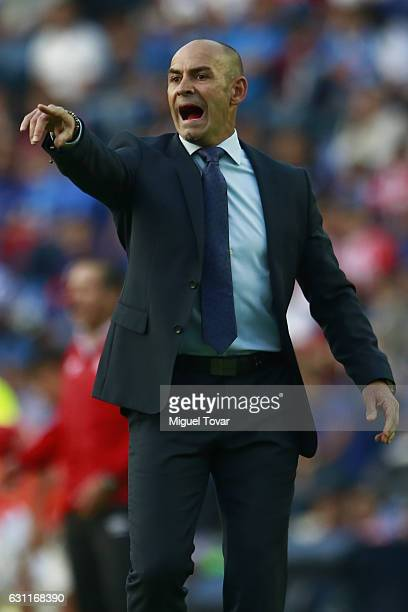 Francisco Jemez coach of Cruz Azul gives instructions to his players during the 1st round match between Cruz Azul and Necaxa as par of the Torneo...