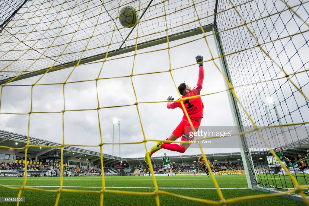 Francisco Marmolejo Mancilla of Jonkopings Sodra trows himself and fail to stop the shot from Nasiru Mohammed of BK Hacken who scores the opening goal 1-0 during the Allsvenskan match between BK Hacken and Jonkopings Sodra IF at Bravida Arena on August 27, 2017 in Gothenburg, Sweden.