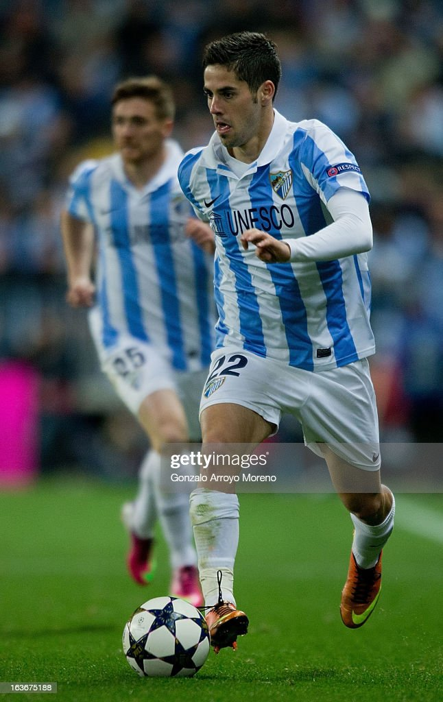 Francisco R. Alarcon alias Isco of Malaga CF conrols the ball during the UEFA Champions League Round of 16 second leg match between Malaga CF and FC Porto at La Rosaleda Stadium on March 13, 2013 in Malaga, Spain.