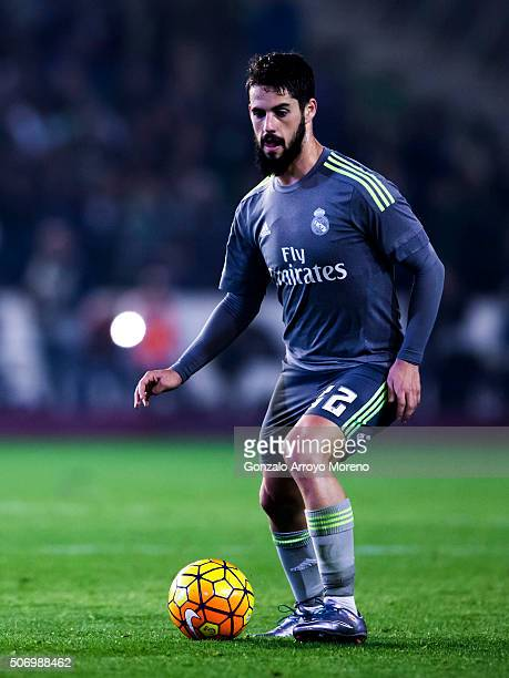 Francisco Roman Alarcon alias Isco of Real Madrid CF controls the ball during the La Liga match between Real Betis Balompie and Real Madrid CF at...