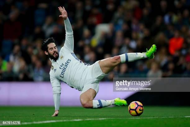 Francisco Roman Alarcon alias Isco of Real Madrid CF looses the ball during the La Liga match between Real Madrid CF and UD Las Palmas at Estadio...