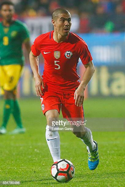 Francisco Silva of Chile drives the ball during an international friendly match between Chile and Jamaica at Sausalito Stadium on May 27 2016 in Vina...