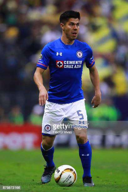 Francisco Silva of Cruz Azul drives the ball during the quarter finals second leg match between America and Cruz Azul as part of the Torneo Apertura...