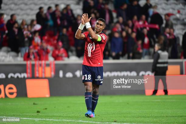 Franck Beria of Lille salutes the crowd after the Ligue 1 match between Lille OSC and Olympique de Marseille at Stade Pierre Mauroy on March 17 2017...