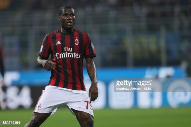 Franck Kessie of AC Milan during the Serie A match between FC Internazionale and AC Milan at Stadio Giuseppe Meazza on October 15 2017 in Milan Italy