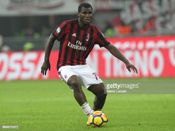 Franck Kessie of AC Milan in action during the Serie A match between AC Milan and Juventus at Stadio Giuseppe Meazza on October 28 2017 in Milan Italy