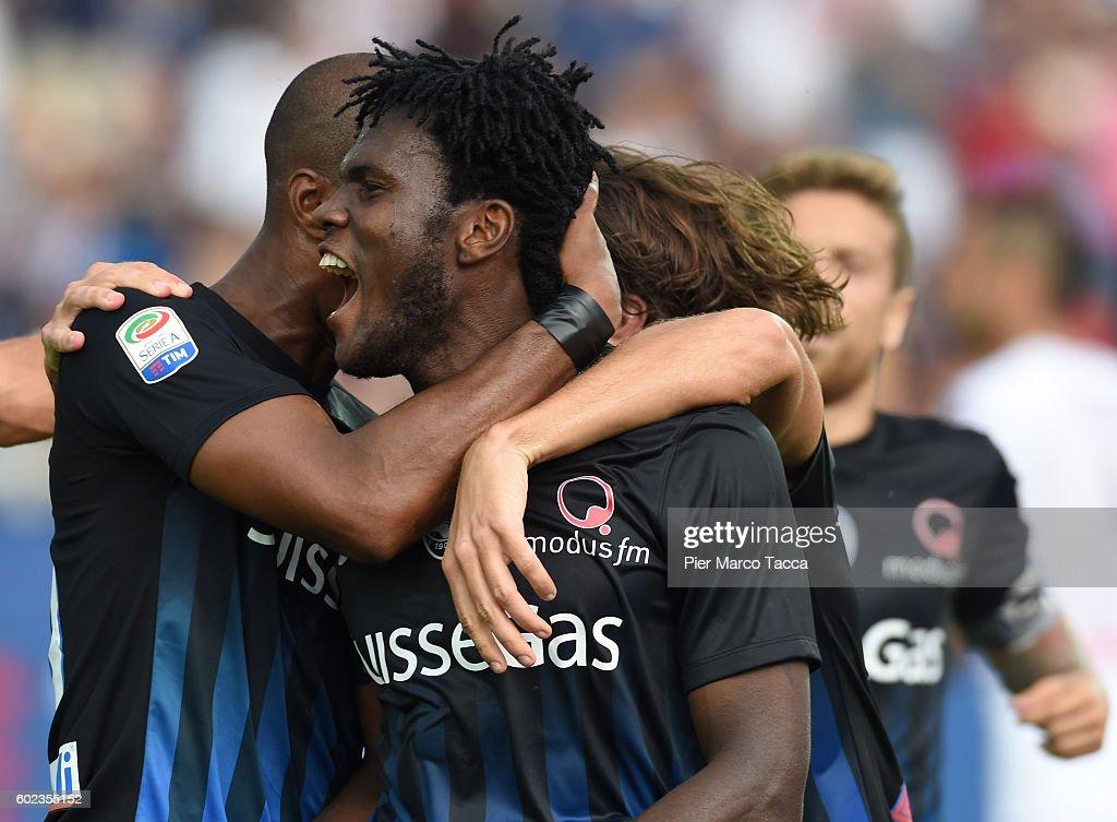 Franck Kessie of Atalanta BC celebrates his first goal to make it 2-1 during the Serie a match between Atalanta BC and FC Torino at Stadio Atleti Azzurri d'Italia on September 11, 2016 in Bergamo, Italy.