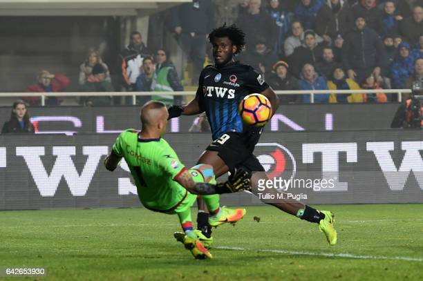 Franck Kessie of Atalanta misses a goal during the Serie A match between Atalanta BC and FC Crotone at Stadio Atleti Azzurri d'Italia on February 18...