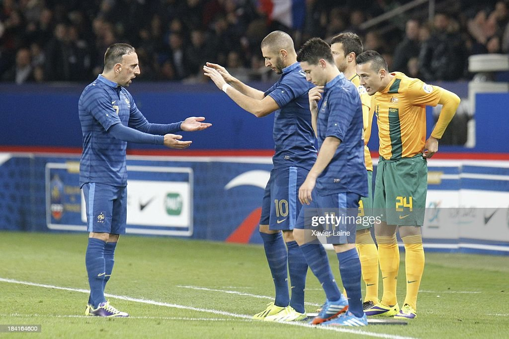 Franck Ribery, Karim Benzema and Samir Nasri of France celebrate during during the International Friendly between France and Australia at Parc des Princes on October 11, 2013 in Paris, France.
