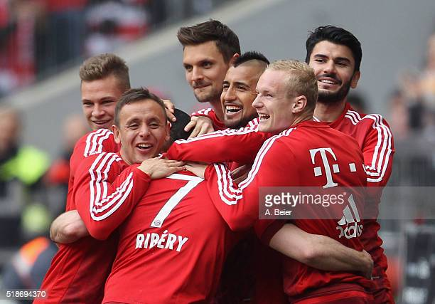 Franck Ribery of Bayern Muenchen celebrates his first goal together with teammates Joshua Kimmich Rafinha Sven Ulreich Arturo Vidal Sebastian Rode...