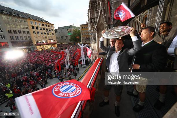 Franck Ribery of Bayern Muenchen celebrates winning the 67th German Championship title on the town hall balcony at Marienplatz on May 20 2017 in...