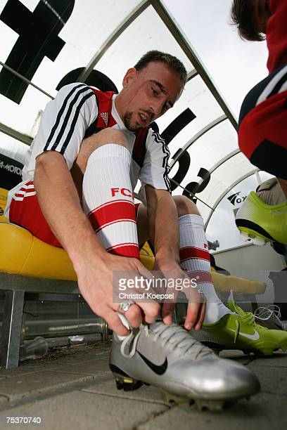 Franck Ribery of Bayern pust on his new shoes before the friendly match between FC Schaffhausen and Bayern Munich at the Breite Stadium on July 11...