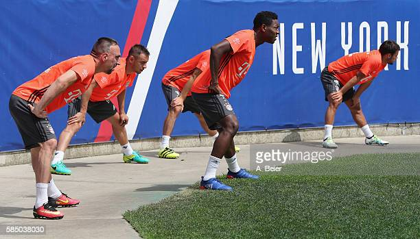 Franck Ribery Rafinha David Alaba and Juan Bernat of FC Bayern Muenchen warm up during a training session at the AUDI Summer Tour USA 2016 on August...