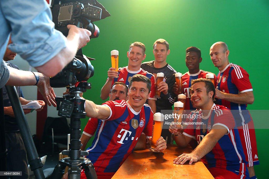 Franck Ribery Robert Lewandowski Bastian Schweinsteiger Manuel Neuer David Alaba Xabi Alonso and Arjen Robben of Bayern Muenchen attend the FC Bayern...