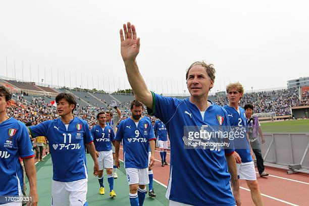Franco Baresi of Glorie Azzurre waves to supporters after the JLeague Legend and Glorie Azzurre at the National Stadium on June 9 2013 in Tokyo Japan