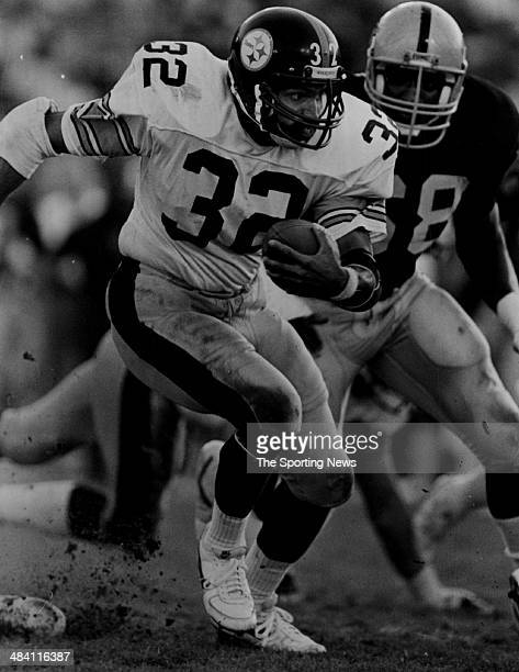 Franco Harris of the Pittsburgh Steelers runs with the ball circa 1970s