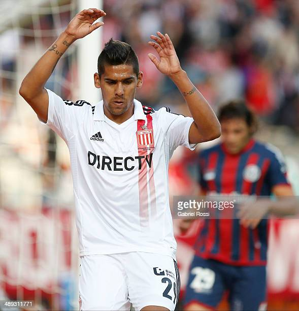 Franco Jara of Estudiantes celebrates after scoring the second goal of his team during a match between Estudiantes and San Lorenzo as part of Torneo...