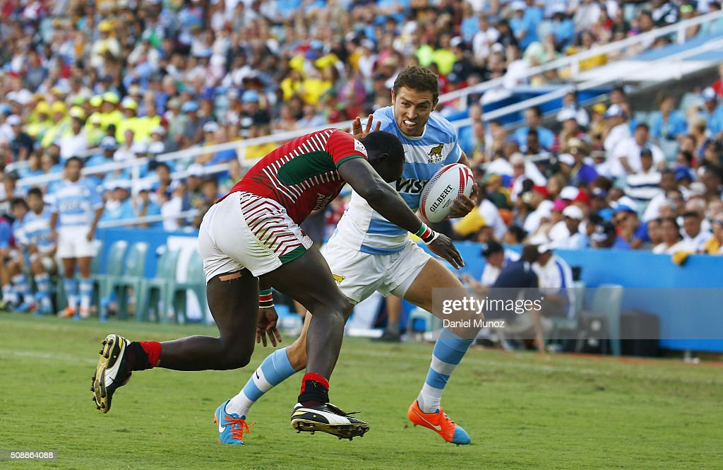 Franco Sabato of Argentina is tackled during the 2016 Sydney Sevens match between Argentina and Kenya at Allianz Stadium on February 7, 2016 in Sydney, Australia.