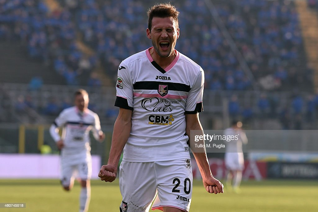 Franco Vazquez of Palermo celebrates after scoring his team's second goal during the Serie A match betweeen Atalanta BC and US Citta di Palermo at...