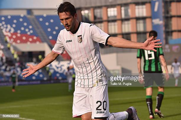 Franco Vazquez of Palermo celebrates after scoring the opening goal during the Serie A match between US Sassuolo Calcio and US Citta di Palermo at...