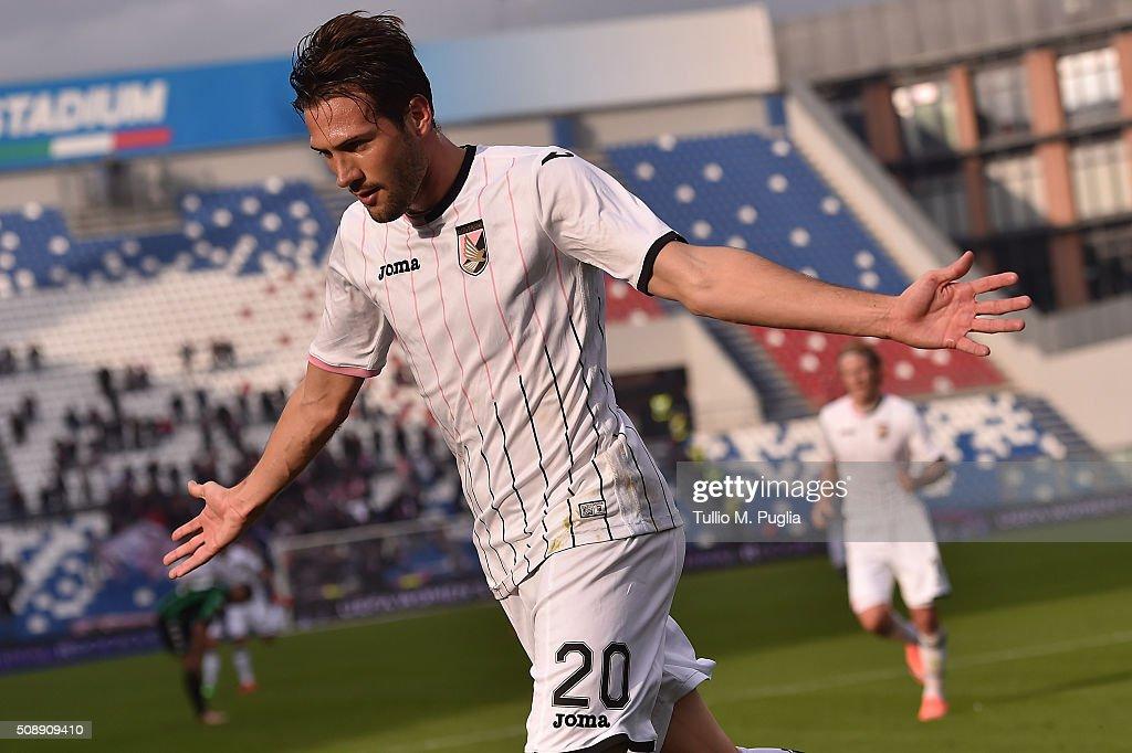 Franco Vazquez of Palermo celebrates after scoring the opening goal during the Serie A match between US Sassuolo Calcio and US Citta di Palermo at Mapei Stadium - Città del Tricolore on February 7, 2016 in Reggio nell'Emilia, Italy.