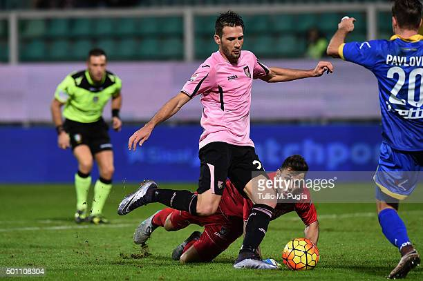Franco Vazquez of Palermo in action during the Serie A match between US Citta di Palermo v Frosinone Calcio at Stadio Renzo Barbera on December 12...