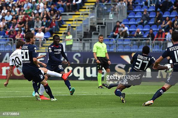 Franco Vazquez of Palermo scores the opening goal during the Serie A match between Cagliari Calcio and US Citta di Palermo at Stadio Sant'Elia on May...