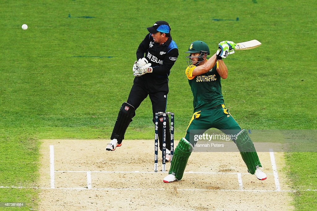 <a gi-track='captionPersonalityLinkClicked' href=/galleries/search?phrase=Francois+du+Plessis&family=editorial&specificpeople=5411977 ng-click='$event.stopPropagation()'>Francois du Plessis</a> of South Africa cuts the ball away for four runs during the 2015 Cricket World Cup Semi Final match between New Zealand and South Africa at Eden Park on March 24, 2015 in Auckland, New Zealand.